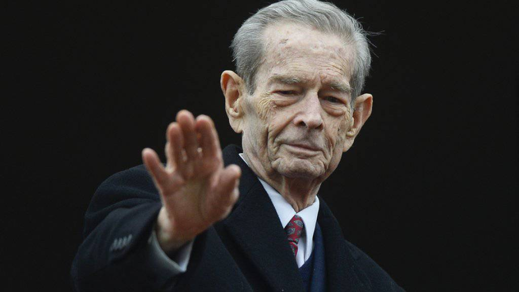 Der frühere rumänische König Michael I. ist im Alter von 96 Jahren im Exil in Aubonne VD am Genfersee  gestorben. (Archivbild)
