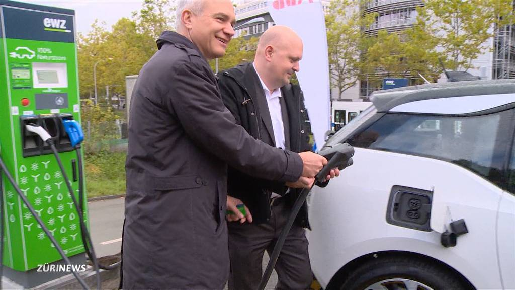 Stadt Zürich eröffnet ihre ersten Elektrotankstellen