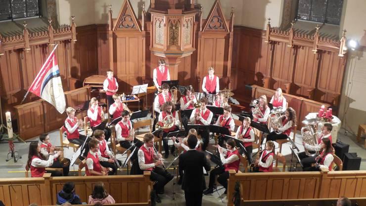 """27 Jugendliche boten ein mitreissendes Konzert unter dem Motto """"Safari"""""""