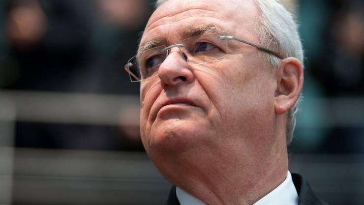 Im Visier der Staatsanwaltschaft: es gibt Hinweise darauf, dass der ehemalige VW-Chef Martin Winterkorn früher als von ihm öffentlich behauptet Kenntnis von der Schummel-Software gehabt haben könnte. (Archiv)