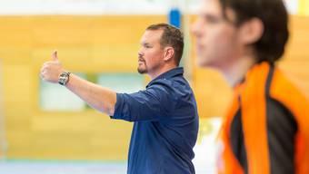 Daumen hoch: Misha Kaufmann coachte sein Team mit guten Entscheidungen zum Playoff-Auftaktsieg gegen Wacker Thun.
