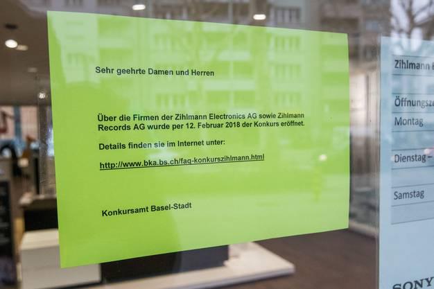 Aushang an der Zihlmann-Filiale am Spalenring.