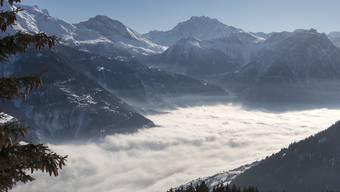 Am Freitagabend um 22.02 Uhr ist astronomischer Herbstanfang. Zu dieser Jahreszeit gehört auch der Nebel über dem Flachland, während es in höhergelegenen Gebieten oft sonnig ist. (Archivbild)