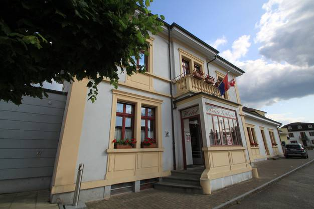 Das ehemalige «Hotel de la poste» heisst heute «Hotel de la petite Gilberte».
