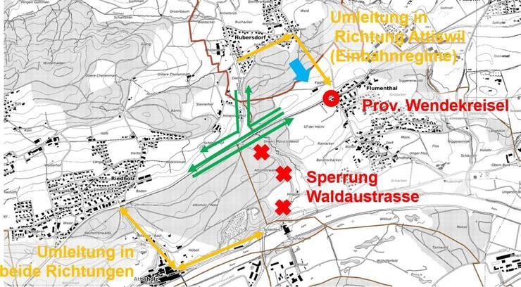 Die Illustration zeigt den Verkehrsablauf während der Bauzeit. Der Wendekreisel befindet sich in Flumenthal. Links ist Riedholz. zvg