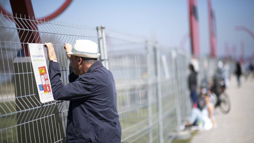Doppelter Zaun soll Treffen an der Grenze verhindern