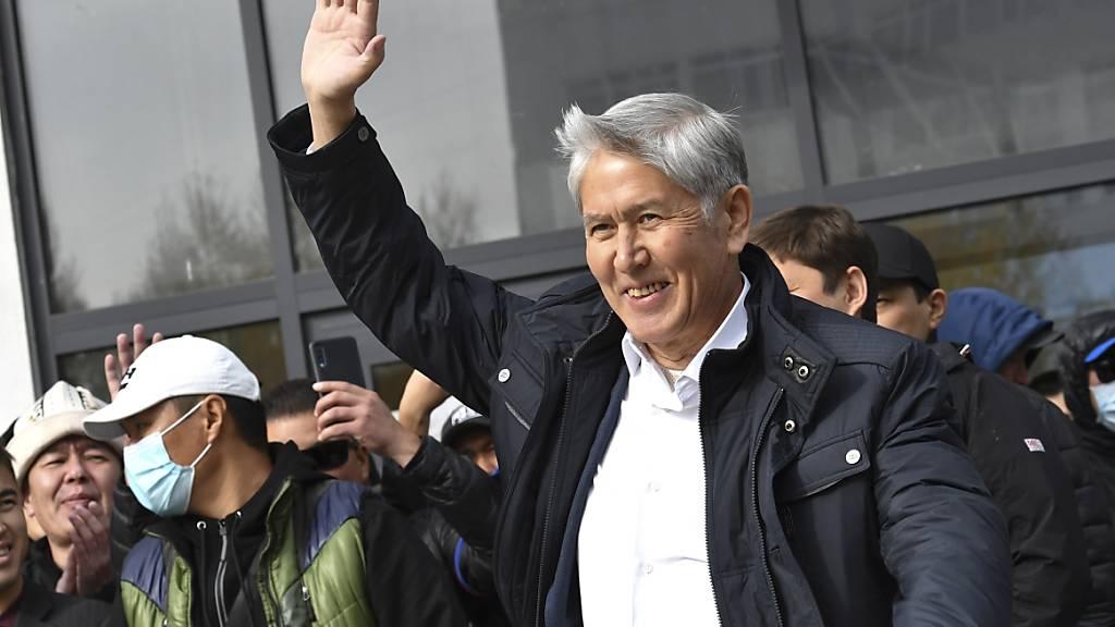 Neuer Regierungschef in Kirgistan - Ex-Präsident erneut festgenommen