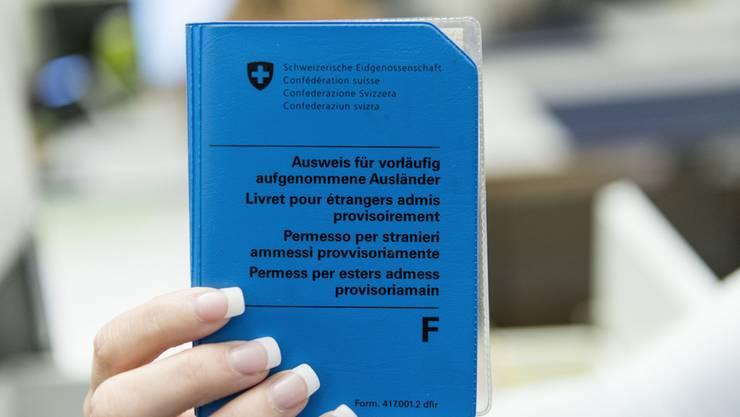 Wer den F-Ausweis hat, soll künftig wieder von der Asylfürsorge unterstützt werden.