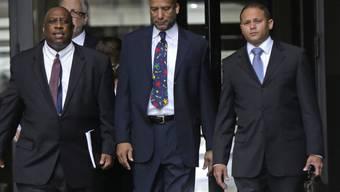 Ex-Bürgermeister Ray Nagin (Mitte) verlässt das Gericht
