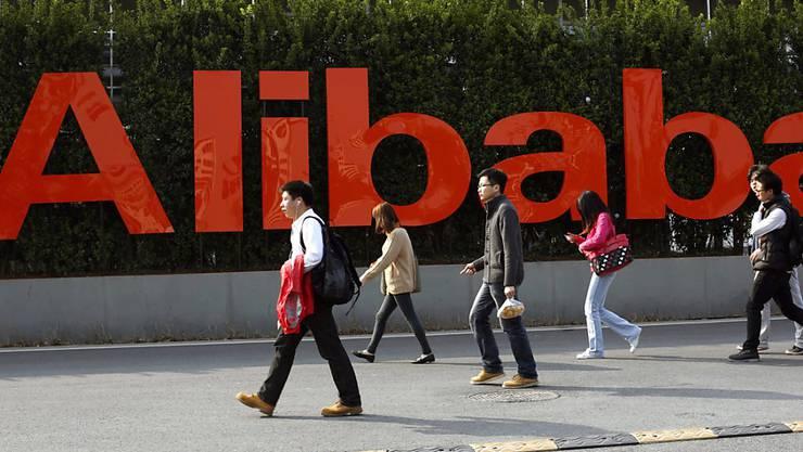 Die Schweizer Richemont-Gruppe und Alibaba gehen eine Partnerschaft ein.