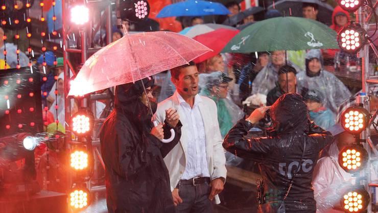 Es gab Regen en gros während der Live-Sendung.
