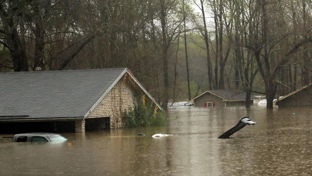 Schwere Überschwemmungen bei Haughton im Bundesstaat Louisiana