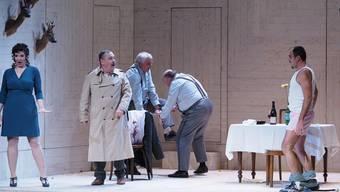 Fledermaus: Die Theater-Unterhosen sind nun also auch in der Provinz angekommen.