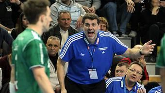 Wacker Thuns Trainer Martin Rubin offensichtlich unzufrieden