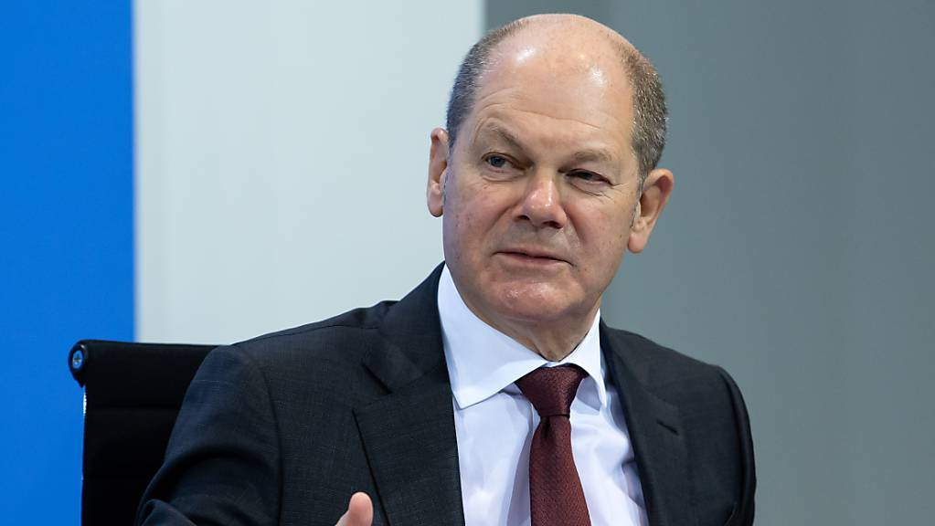 Olaf Scholz (SPD), Bundesfinanzminister, äußert sich auf der Pressekonferenz im Bundeskanzleramt zum weiteren Vorgehen in der Corona-Krise nach der Schaltkonferenz von Bundeskanzlerin Merkel und der Bundesregierung mit den Ministerpräsidenten der Länder.