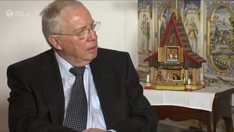 Kommt es nach dem Abgang von Chefredaktor Markus Spillmann zu einem Schulterschluss mit zwischen FDP und SVP? Blocher dementiert.