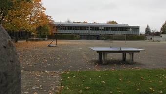 Auf Schulhöfen im Wynental wird dann und wann gefeiert. (Symbolbild)