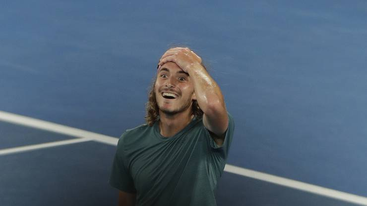 Stefanos Tsitsipas kann sein Glück kaum fassen: Er hat Roger Federer geschlagen.