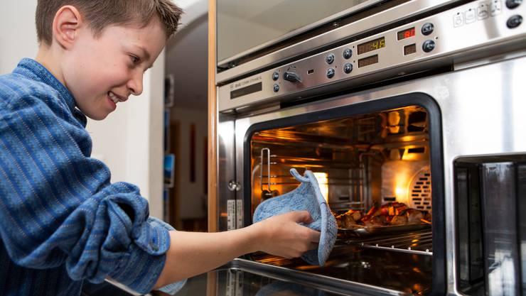 Mehr bei der Familie sein, öfter selber kochen und backen: Solche Vorsätze haben sich die Schweizer genommen - auch über den Lockdown hinaus.