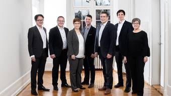 Der Badener Stadtrat wird weiterhin aus sieben Mitgliedern bestehen, nach einer Fusion mit Turgi vielleicht gar wachsen. Das Foto zeigt Erich Obrist, Philippe Ramseier, Ruth Müri, Matthias Gotter, Markus Schneider, Benjamin Steiner und Regula Dell'Anno (v.l.).