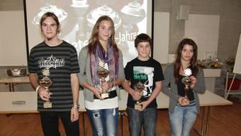 v.l.: Luca Frei, Tanja Büschi, Lars Marti und Kenza Calvo