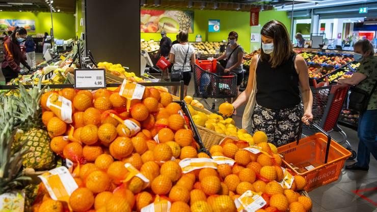Der Kanton Solothurn hat bezüglich der Maskenpflicht in Läden noch keine Entscheidung getroffen.