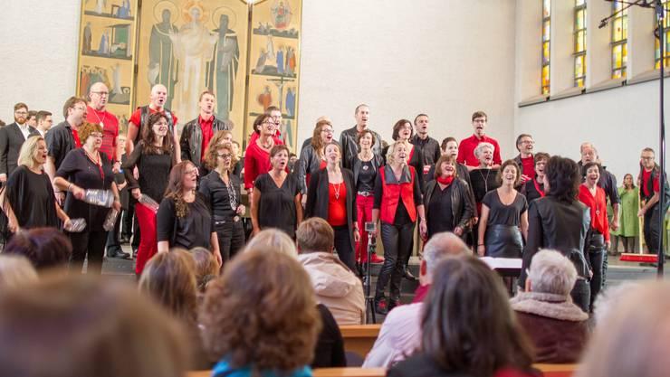Der Mixed-up Chor am Konzert der Preisträger in der Kirche St. Peter und Paul in Aarau