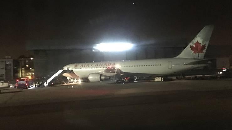 Die Maschine vom Typ Boeing 767-300 war beim Start in Madrid an einem Fahrwerkrad beschädigt worden.