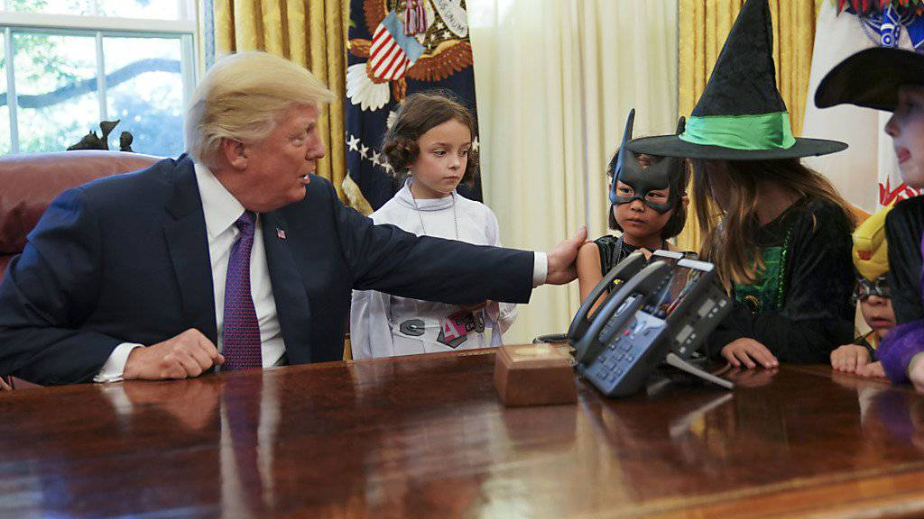 Halloween im Weissen Haus: US-Präsident Donald Trump empfängt kostümierte Kinder von Journalisten.