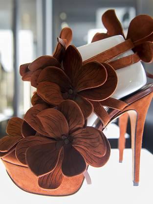 """""""Orchideen-Schuh"""" (2013) des holländischen Künstlers Jan Jansen"""
