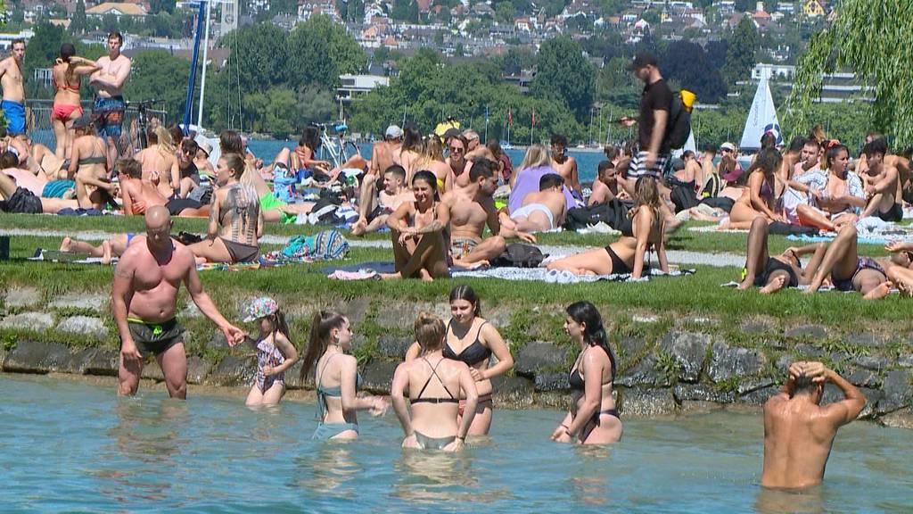 Riesiger Menschenauflauf am Seebecken: Wo ist das Social Distancing?