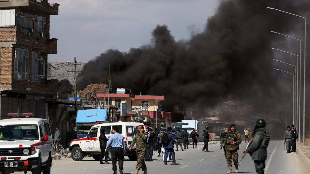 Rauch über Kabul nach einem der Anschläge.