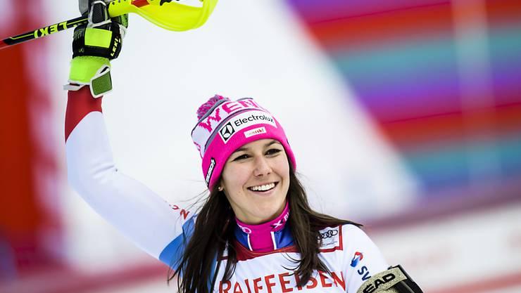 Wendy Holdener jubelt über ihren dritten Weltcupsieg, den zweiten in Lenzerheide nach demjenigen vom März 2016 ebenfalls in der Kombination