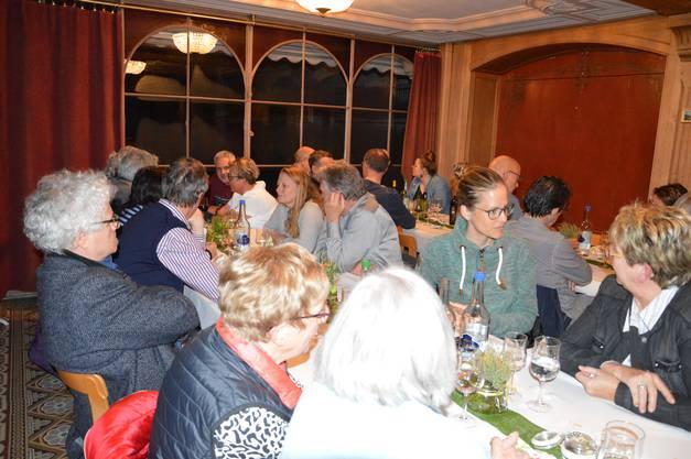 Nach dem offiziellen Teil wurde den Mitgliedern ein reichhaltiges Essen aufgetischt.