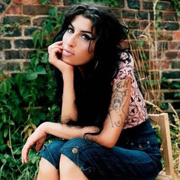 Amy Winehouse: Gestorben am 23. Juli 2011. Die Sängerin mit der aussergewöhnlichen Stimme starb an den Folgen einer Alkoholvergiftung.