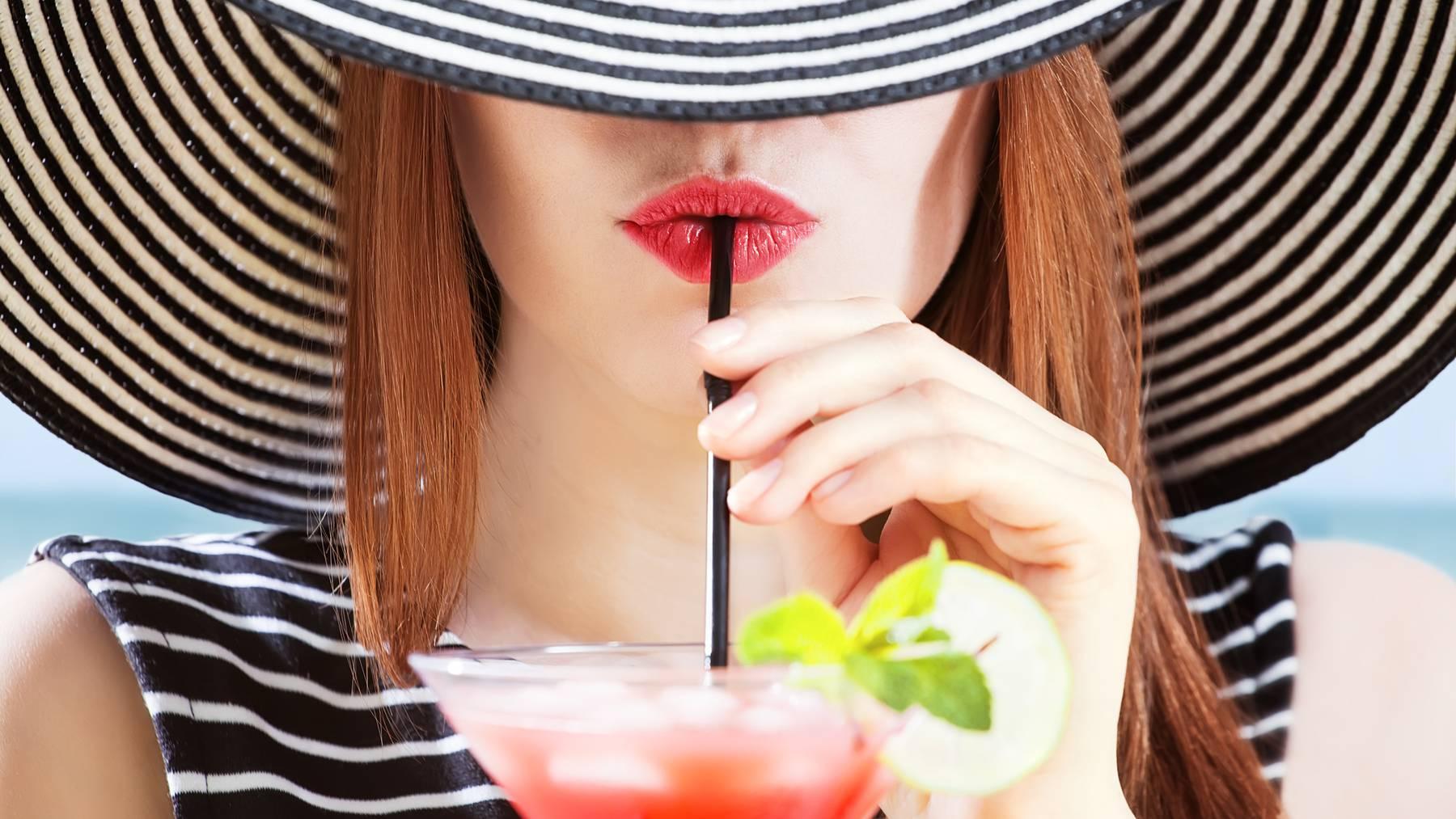 Magst du die Kombination aus Früchten und Wein? Dann ist dieser Drink perfekt für dich. (Symbolbild)