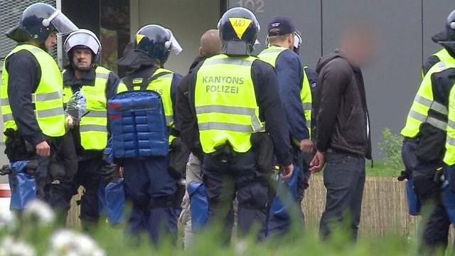 Happige Rechnung für Polizeieinsatz bei Fussballmatch in Aarau
