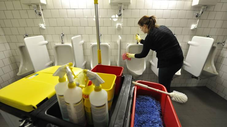 Für Angestellte aus der Reinigungsbranche ist die Coronakrise besonders einschneidend.