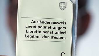 Er und seine Tochter erhielten nicht wie erhofft eine erneute Aufenthaltsbewilligung sondern die Aufforderung, die Schweiz zu verlassen. (Themenbild)