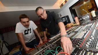 Der Musiker und Produzent Matthias Tobler alias Mr. Mento (rechts) und Silvio Brunner alias Stereo Luchs.