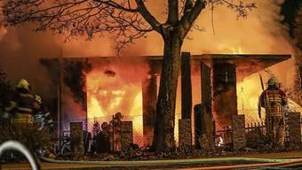 Das Casa Loca in der Brandnacht im Februar 2019.