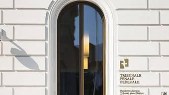 Das Bundesstrafgericht in Bellinzona beurteilt den Fall des mutmasslichen Datendiebstahls in Abwesenheit des Angeklagten. (Archivfoto)