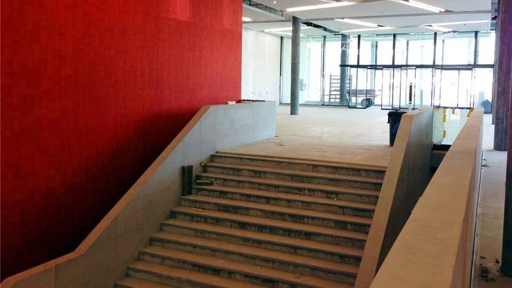 Raum für grosse Ideen: Schon bald ist der Campussaal – hier die Empfangstreppe – mit Leben gefüllt.