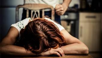 Während des Lockdowns im Frühling nahmen schweizweit Fälle von häuslicher Gewalt zu.
