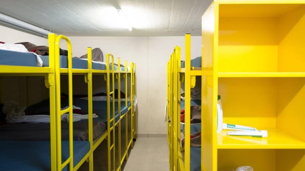 Der Bund weist den Kantonen nach wie vor viele Asylsuchende zu.