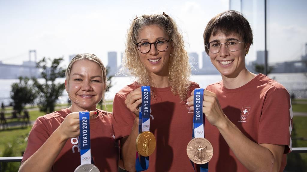 Die Olympia-Heldinnen kommen in Zürich an