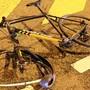 Ein alkoholisierter Velofahrer stürzte mitten in der Nacht in Dürrenäsch. (Symbolbild)