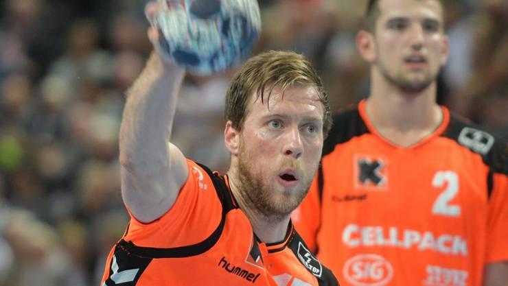 Gabor Csaszar war beim Auftaktsieg von Kadetten Schaffhausen in St. Gallen mit acht Toren der überragende Spieler