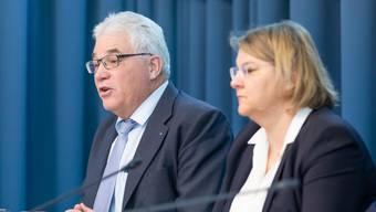 Der Bund hat in seiner am Montagabend publizierten Verordnung vieles undefiniert gelassen. Entsprechend verzeichnete die Infoline des Kantons am Dienstag «mehrere hundert Anfragen».