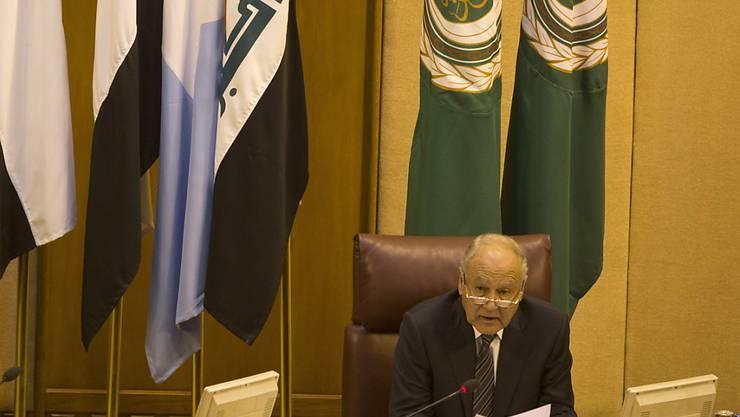Der Generalsekretär der Arabischen Liga, Ahmed Abul Gheit, an der Dringlichkeitssitzung des Staatenbündnisses in Kairo.